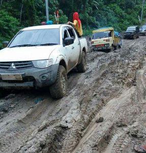 Mahasiswa KKN Unsyiah minta pemerintah perbaiki jalan Desa Samar Kilang