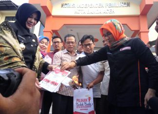 KIP Banda Aceh musnahkan surat suara rusak