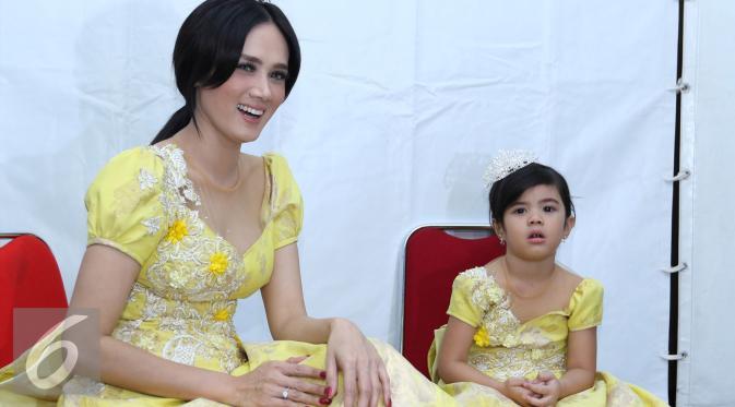 Gara-gara 'Cilok Muncrat', Mulan Jameela dikomplain anaknya
