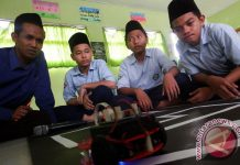 2 siswa SMA Paya Bakong kurang dana untuk ikut Olimpiade Sains Internasional