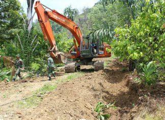 Kegiatan TMMD, prajurit Kodim Aceh Utara buka jalan di bekas daerah konflik