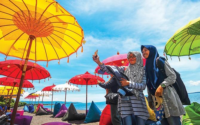 Di Banyuwangi ada pantai berkonsep syariah