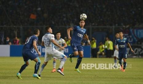 Duel sengit Persib vs Arema pembuka kompetisi Gojek Traveloka Liga 1