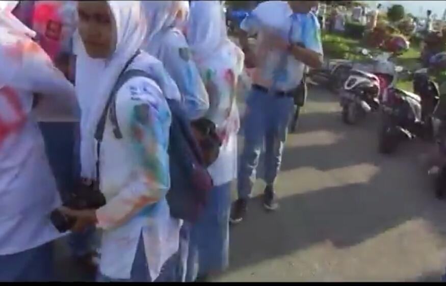 Selesai UN, ratusan pelajar SMA di Langsa coret seragam