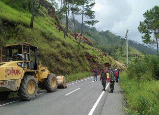 Longsor di Aceh Tengah tutupi jalan