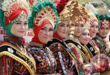 Selain kuliner, Aceh juga terkenal dengan pakaian khasnya