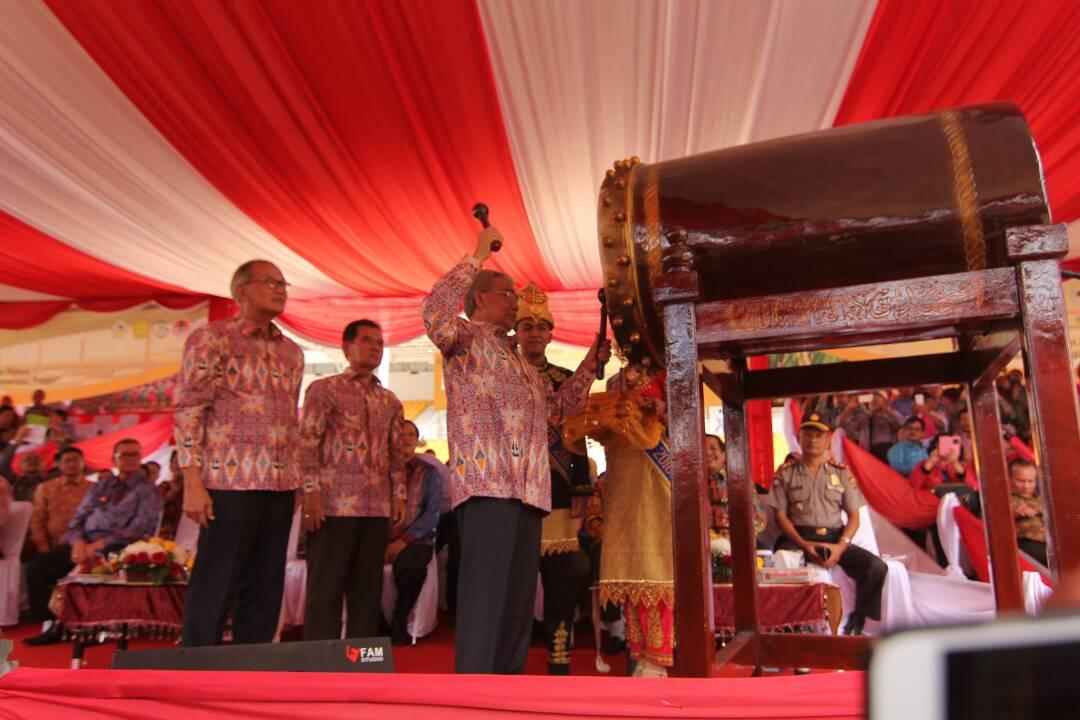 Pukul tambo, Gubernur Aceh resmi tutup Penas KTNA XV