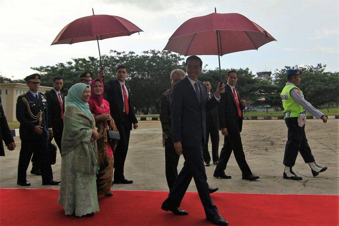 Perjalanan sang pemimpin yang berusaha mengayomi dengan payung sakti
