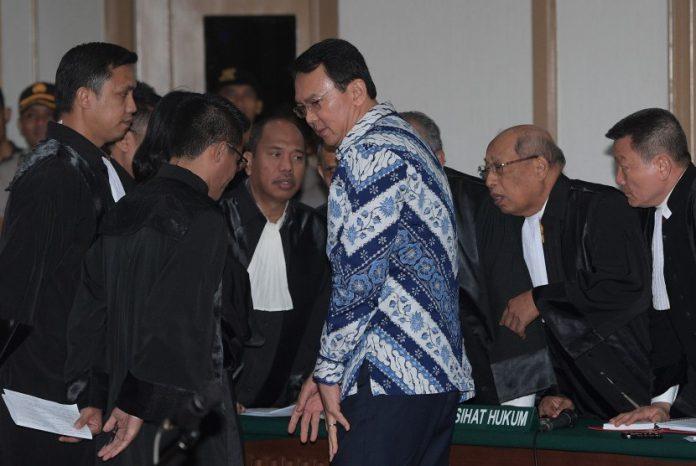 Ahok tandatangani surat pengunduran diri sebagai Gubernur DKI