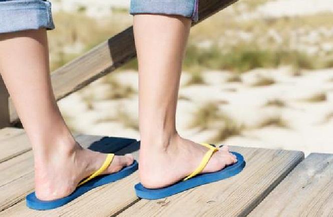Terlalu sering pakai sandal jepit picu inflamasi pada kaki | Kanal Aceh