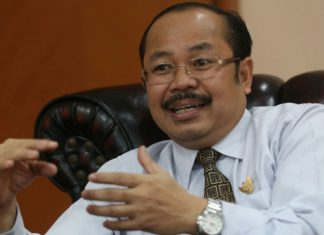 Pejabat Pemerintah diminta berkomitmen tak rangkap jabatan
