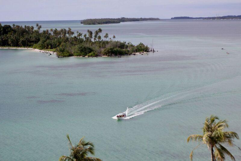 Eksotisme Pulau Banyak dari atas mercusuar