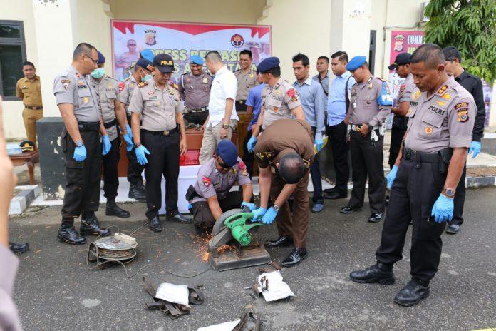 Polres Aceh Utara musnahkan puluhan senpi dan ratusan amunisi