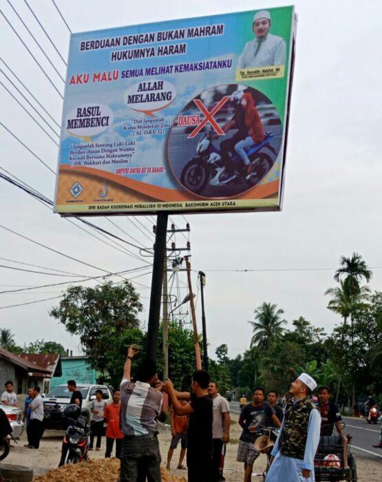 Khawatir pergaulan remaja, Bakomubin pasang reklame penegakan Syariat Islam