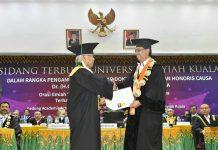 Adnan Ganto dapat gelar Doktor Honoris Causa dari Unsyiah