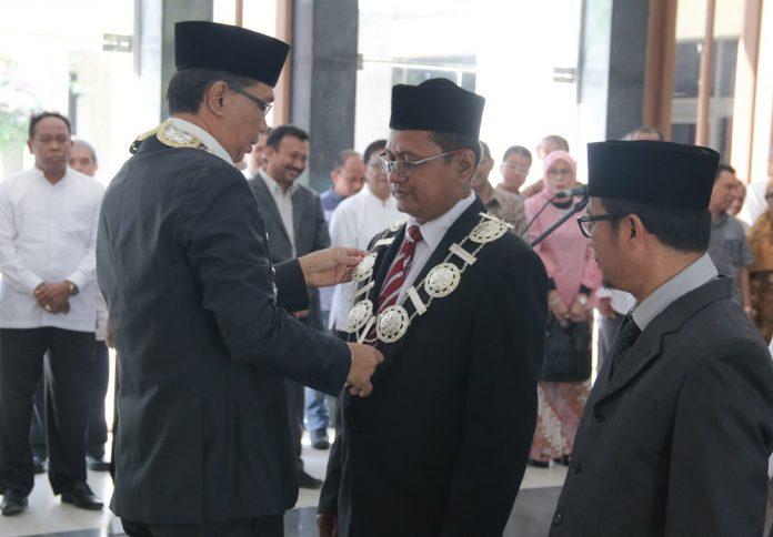 Rektor lantik Profesor Termuda jadi Dekan FKP Unsyiah