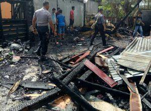 Rumah Keuchik Manyang Baroh ludes terbakar