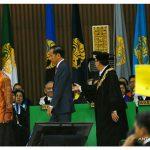 Tanggapi aksi 'kartu kuning', Jokowi ingin kirim Ketua BEM UI ke Papua