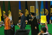 """Ketua BEM UI beri """"kartu kuning"""" untuk Jokowi, ini alasannya"""