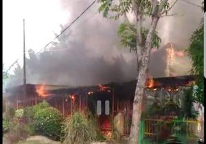 Rumah pensiunan PNS di Langsa dilalap api