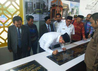 Menag resmikan 9balai nikah dan manasik haji di Aceh