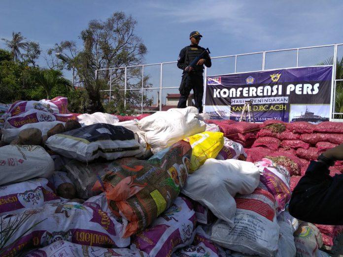 Bea Cukai Aceh gagalkan penyeludupan barang ilegal dari Thailand