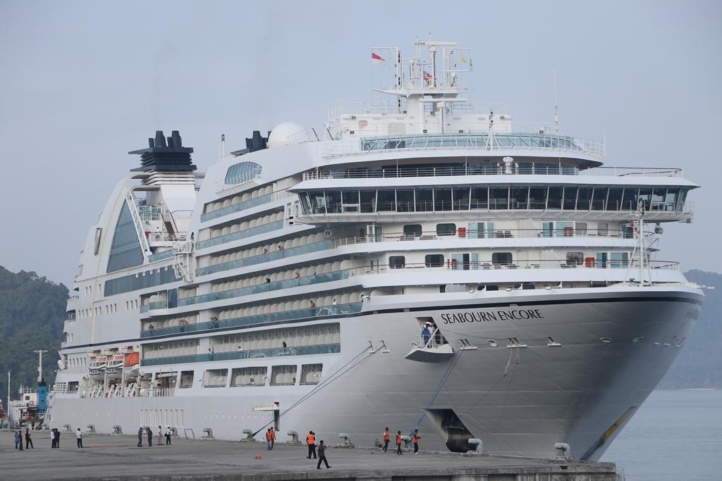 Kapal pesiar MS Seabourn Encore tiba di Sabang