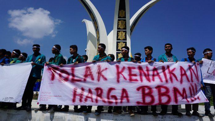 Mahasiswa Aceh tolak kenaikan BBM, Orator: Pemerintah ingin membunuh rakyat