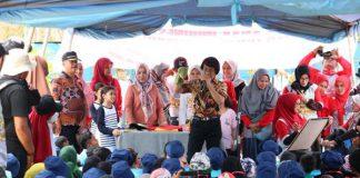 Kak Seto Hibur Anak Aceh di Saree