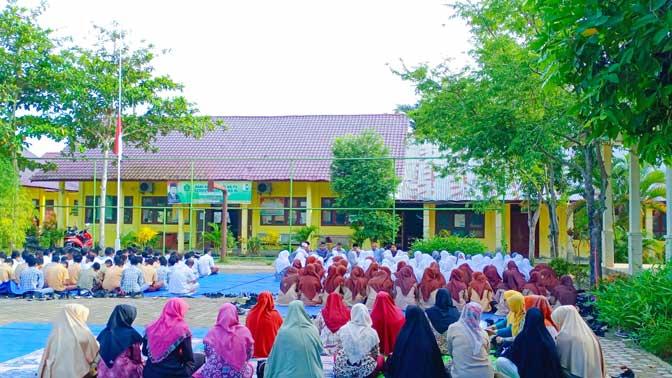 MAN 4 Aceh Utara Gelar Doa Bersama untuk BJ Habibie