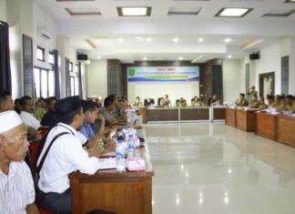 Rapat Umum Penyelesaian Sengketa Lahan PT Laot Bangko Nyaris Ricuh