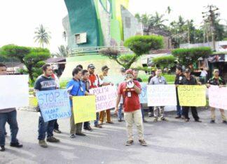 Sejumlah Wartawan dan LSM Gelar Unjuk Rasa di Subulussalam