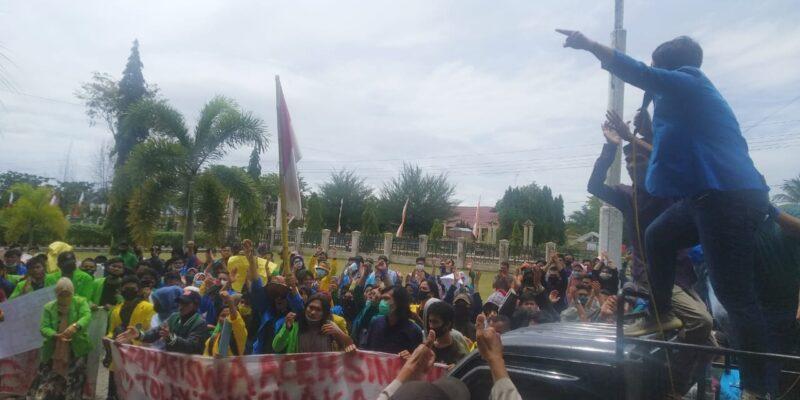Mahasiswa Ajak DPRK Aceh Singkil Teken Petisi Tolak Omnibus Law UU Ciptaker