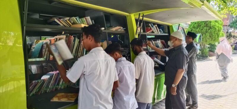 Memperingati Hari Guru MAN 3 Aceh Utara Mengadakan Kegiatan Literasi